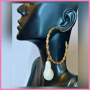 🏷 🆕 Steve Madden Twisted Hoop Pearl Earrings